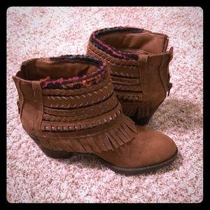 Adorable boots!